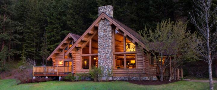 Luxury accommodation at Triple Creek Ranch